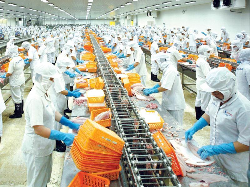 cung ứng nguồn lao động cho các xí nghiệp